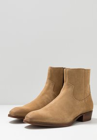 Bianco - BIABEACK BOOT - Classic ankle boots - creme - 2