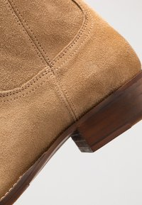 Bianco - BIABEACK BOOT - Classic ankle boots - creme - 5