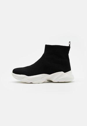 BIACASE WARM - Sneakersy wysokie - black