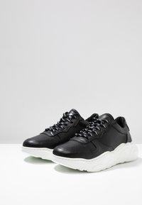 Bianco - BIABAY - Sneakers basse - black - 2