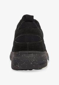 Bianco - ANDRE - Sneakers basse - black - 4
