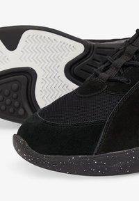 Bianco - ANDRE - Sneakers basse - black - 5
