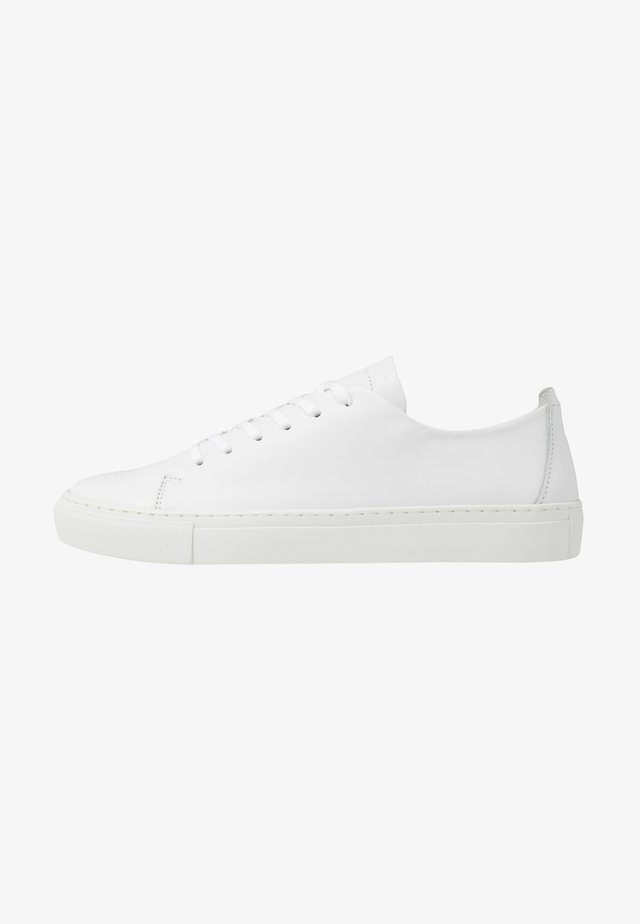 BIAAJAY LEATHER SNEAKER - Sneakersy niskie - white