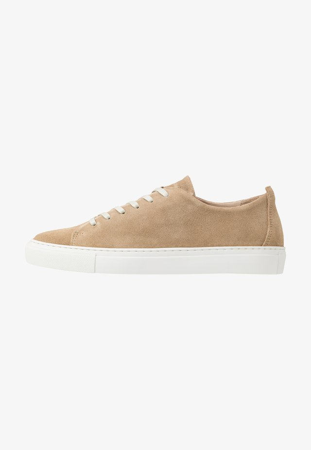 BIAAJAY LEATHER SNEAKER - Trainers - sand
