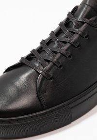 Bianco - BIAAJAY LEATHER SNEAKER - Sneakersy niskie - black - 6