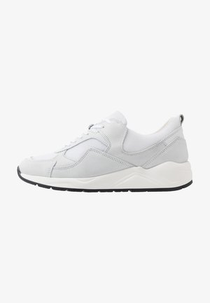 BIADAKOTA - Sneakersy niskie - white