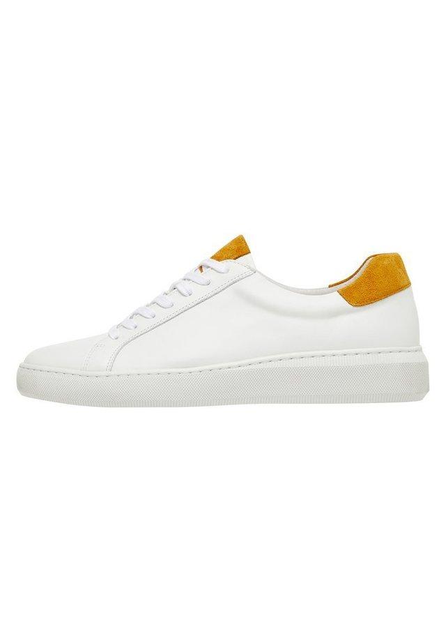 Sneakers basse - mustard