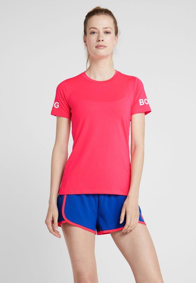 CARLA TEE - T-shirt med print - diva pink