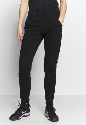 SPORT LOGO PANTS - Teplákové kalhoty - black beauty