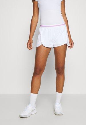 TINE SHORTS - Krótkie spodenki sportowe - brilliant white