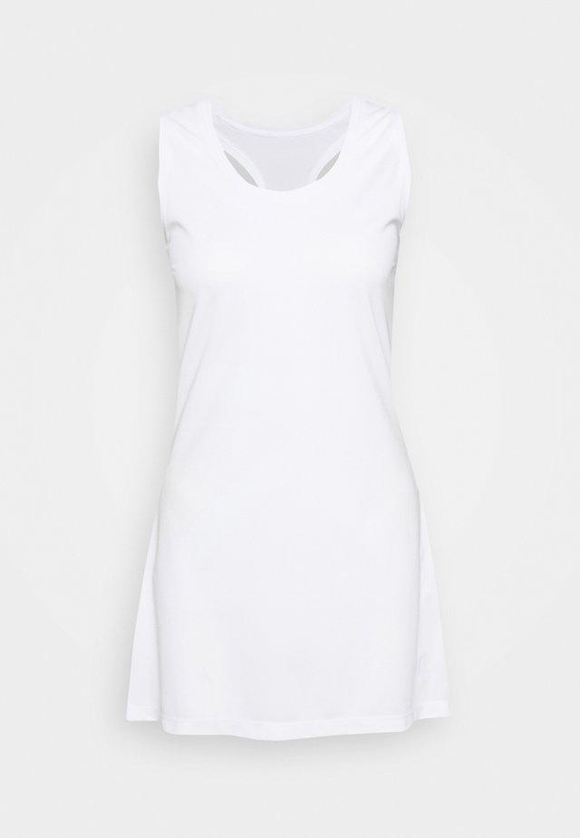TESS DRESS - Jerseyklänning - brilliant white