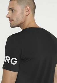 Björn Borg - TEE - T-shirt med print - black beauty - 4