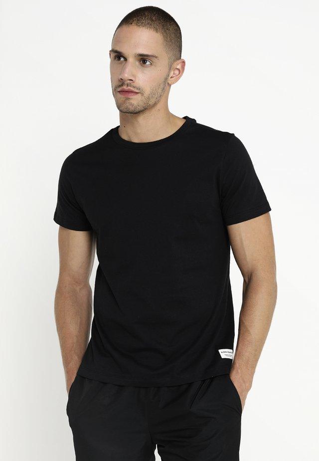 CENTRE REGULAR TEE - T-shirt - bas - black beauty