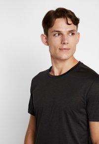Björn Borg - TEE - T-shirt med print - black beauty melange - 3