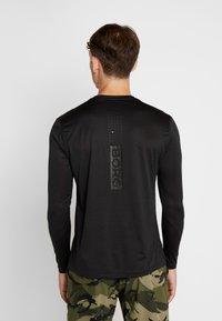 Björn Borg - TEE AXTON - T-shirt de sport - black beauty melange - 2