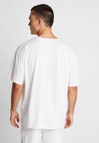Björn Borg - LOOSE TEE ARCHIVE - T-shirt imprimé - brilliant white - 2