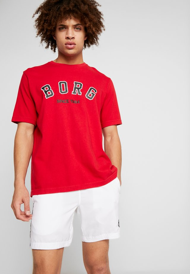 TEE SPORT - T-shirt med print - jester red