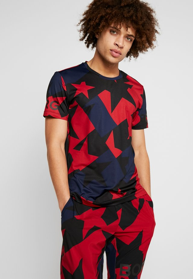 TEE - T-shirt med print - tilt red