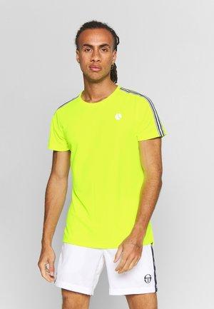 TOMLIN TEE - Print T-shirt - safety yellow
