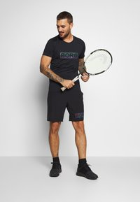 Björn Borg - ALDO TEE - T-shirt med print - black radiate - 1