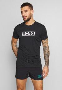 Björn Borg - ATOS TEE - T-shirt med print - black beauty - 0