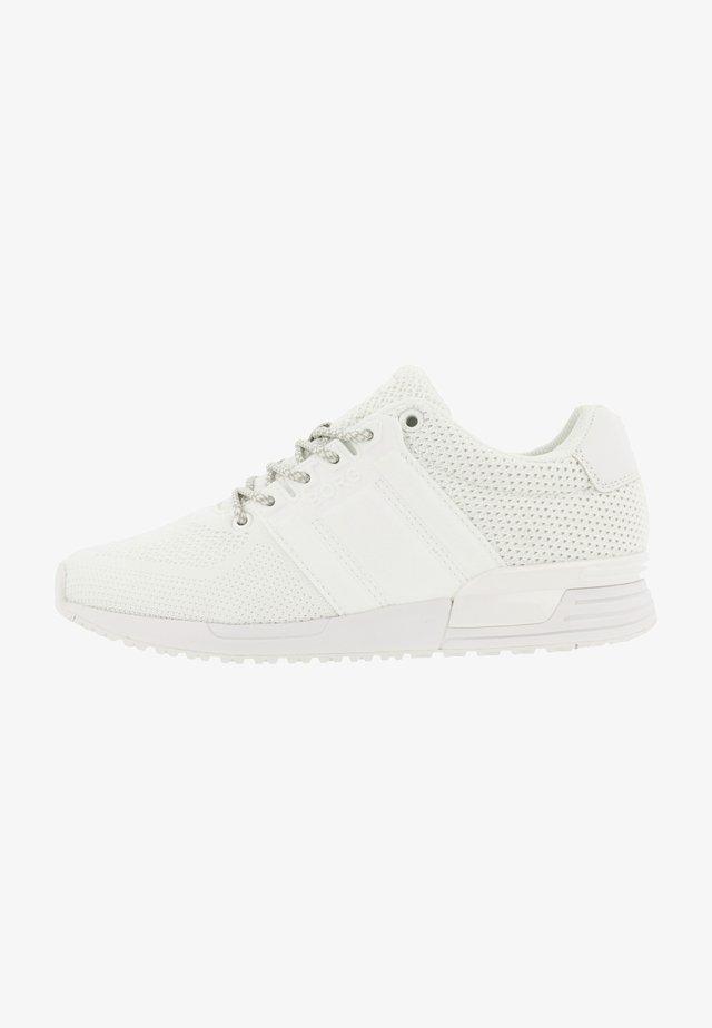 SKT  - Trainers - white
