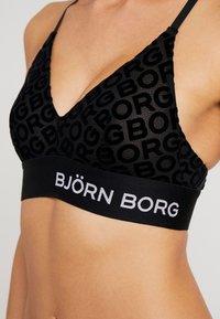 Björn Borg - LOGO SEANNA SOFT - Trojúhelníková podprsenka - black beauty - 5