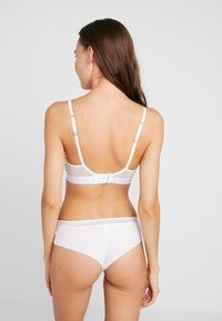 Björn Borg - MINI FLORAL TEA TRIANGLE BRA - Triangel BH - brilliant white - 2