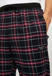 Björn Borg - PERCY PANTS - Pantalón de pijama - black beauty - 4