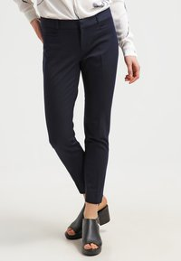Banana Republic - SLOAN SOLIDS - Pantaloni - true navy - 0