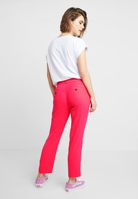 Banana Republic - AVERY CREPE SOLID PANT - Pantaloni - hot pink - 2