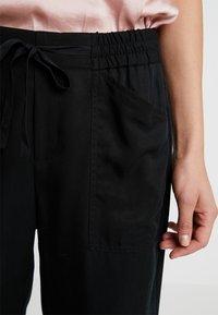 Banana Republic - PULL ON UTILITY - Pantalon classique - black - 5