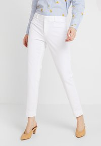 Banana Republic - SLOAN SOLID - Spodnie materiałowe - white - 0