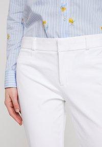 Banana Republic - SLOAN SOLID - Spodnie materiałowe - white - 3