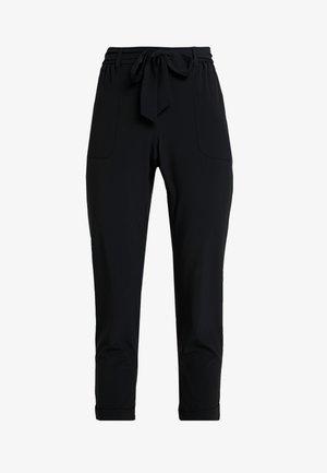 TIE WAIST PERFORMANCE PANT - Pantaloni - black