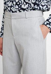 Banana Republic - LOGAN BIRDSEYE - Pantalon classique - grey - 4