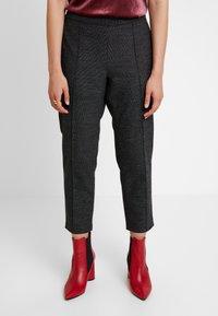 Banana Republic - HAYDEN PINTUCK BRUSHED TEXTURE - Pantaloni - dark grey - 0