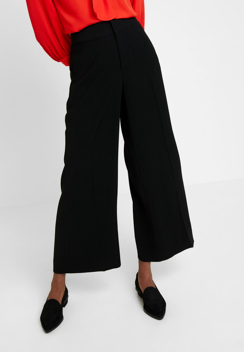 Banana Republic - WIDE LEG FLUID TWILL - Bukser - black