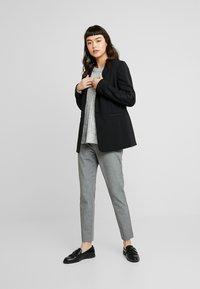 Banana Republic - SLOAN TEXTURE PANT - Trousers - dark grey - 2