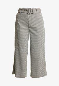 Banana Republic - EVERYBODY WIDE LEG BELTED HOUNDSTOOTH - Pantaloni - dark brown - 3