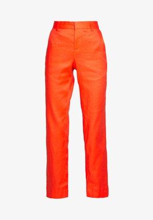 AVERY - Spodnie materiałowe - hyper coral neon