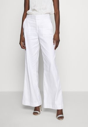 WIDE LEG FULL LENGTH CLEAN SOLIDS - Pantalones - white