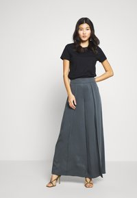 Banana Republic - WIDE LEG PLEAT PANT - Trousers - orca - 1