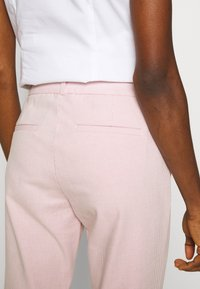 Banana Republic - MODERN SLOAN FEEDER - Chinot - pink - 3