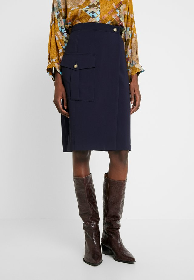SIDE POCKET TIE WAIST SKIRT - Bleistiftrock - preppy navy