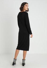 Banana Republic - SIDE TWIST COZY SHEATH DRESS - Sukienka z dżerseju - black - 2