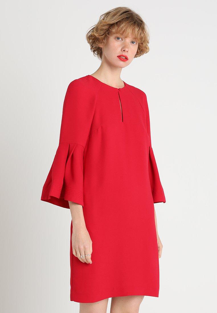 Banana Republic - BELL SHIFT DRESS - Hverdagskjoler - cherry red