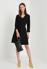 Banana Republic - VNECK SOLID - Vestito elegante - black - 1