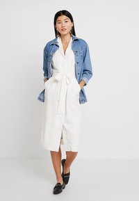 Banana Republic - TRENCH DRESS SOLID - Day dress - snow day - 2