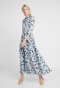 Banana Republic - SAVANNAH MAXI DRESS ETCHED FLORAL - Maxi šaty - dark blue - 0